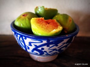 Figs in blue bowl after Garzoni
